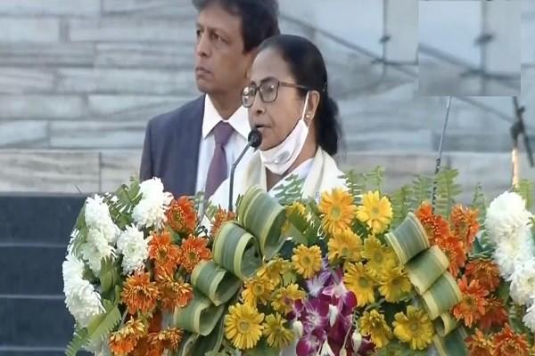 क्या जय श्री राम का नारा और भारत माता की जय का नारा किसी भारतीय के लिए अपमानित करने वाला हो सकता है.................